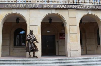 Jan Kochanowski's statue in front of the rector's office.